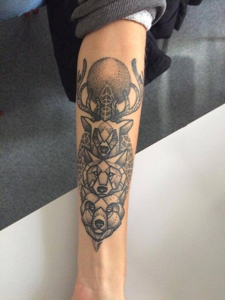 Tatouage Illuminati Avant Bras