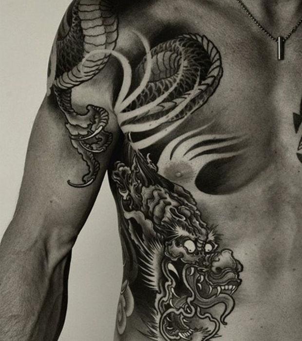 Tatouage Dragon Sur Tout Le Bras Kolorisse Developpement