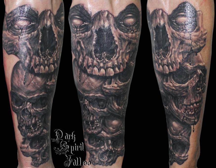 Tatouage avant bras homme gothique mod les et exemples - Tatouage chiffre romain avant bras ...