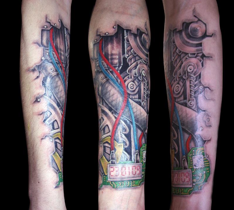 tatouage biomecanique lyon - modèles et exemples
