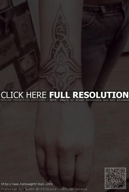 Tatouage bracelet celtique poignet