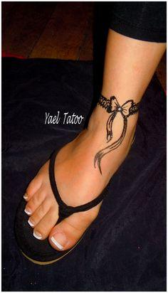 tatouage bracelet cheville pied mod les et exemples. Black Bedroom Furniture Sets. Home Design Ideas