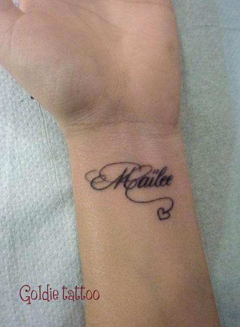 Tatouage bracelet poignet avec prenom mod les et exemples - Tatouage bracelet prenom ...