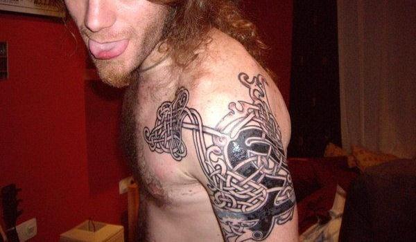tatouage celte viking mod les et exemples. Black Bedroom Furniture Sets. Home Design Ideas