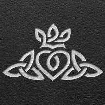 Tatouage celtique claddagh