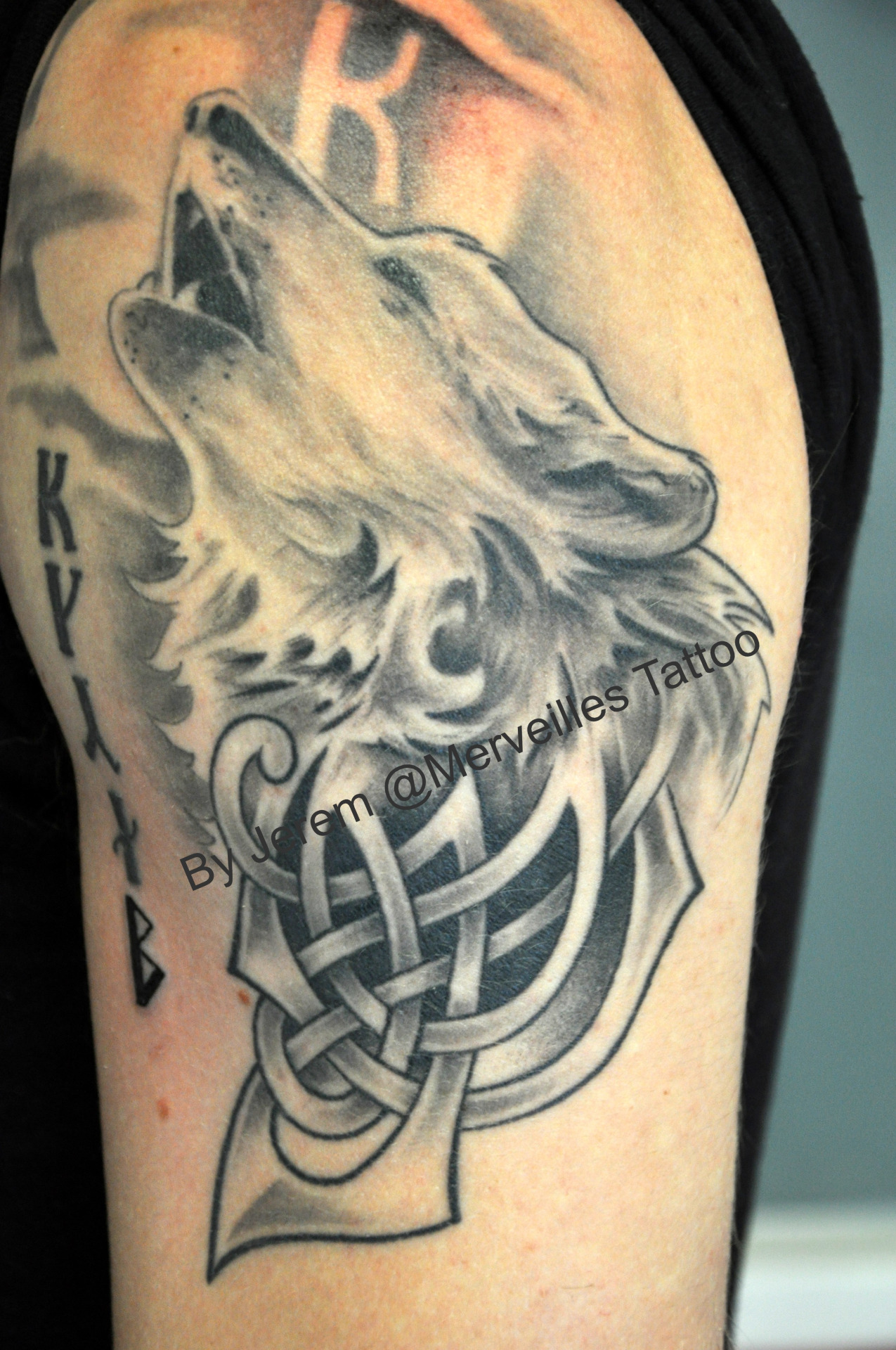 tatouage celtique loup mod les et exemples. Black Bedroom Furniture Sets. Home Design Ideas