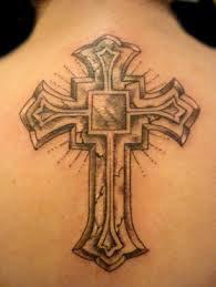 tatouage croix gothique dos mod les et exemples. Black Bedroom Furniture Sets. Home Design Ideas