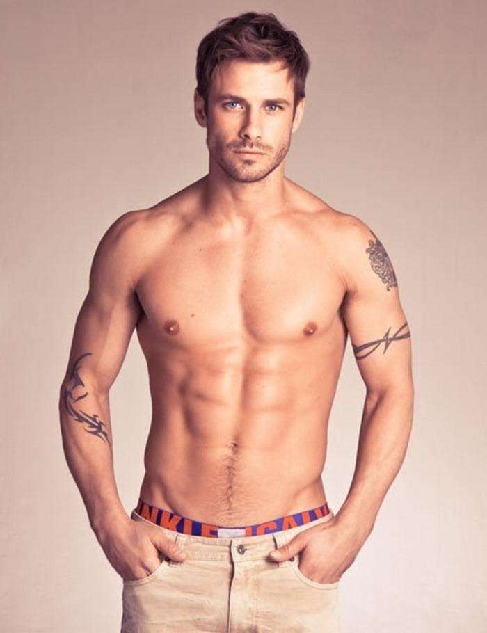 Tatouage Discret Homme Bras Modeles Et Exemples