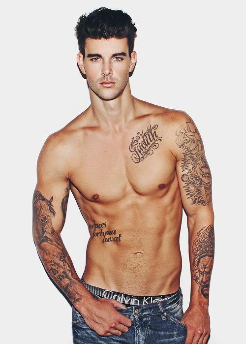 beau tatouage discret homme #15: tatouage pour homme discret ~ les