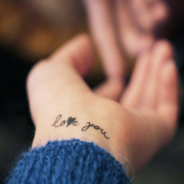Tatouage Discret Poignet Femme Modeles Et Exemples