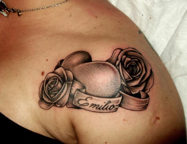 Tatouage fleur et coeur mod les et exemples - Tatouage femme coeur ...