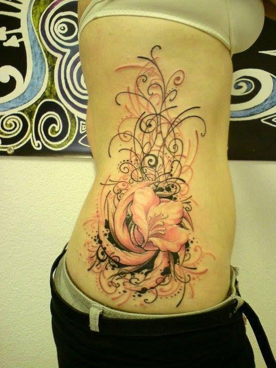 tatouage fleur hanche mod les et exemples. Black Bedroom Furniture Sets. Home Design Ideas