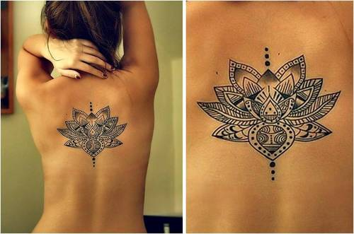 Tatouage fleur lotus