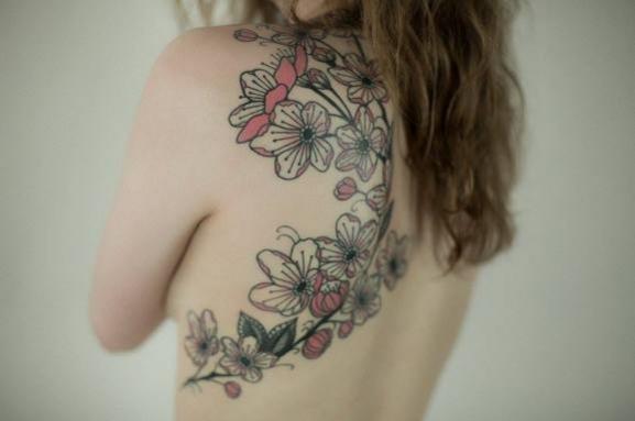 tatouage fleur realiste mod les et exemples. Black Bedroom Furniture Sets. Home Design Ideas