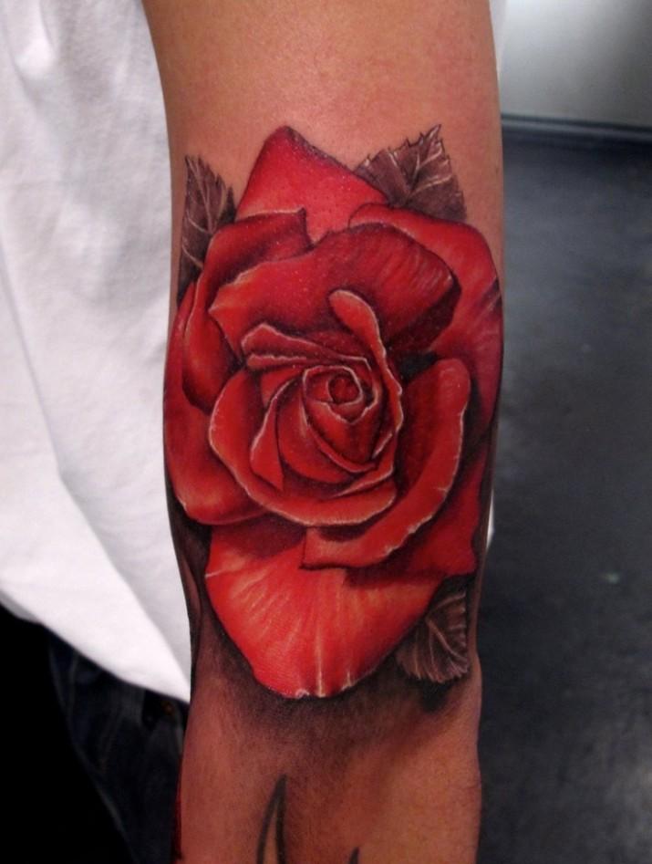 Tatouage fleur rose rouge - Modèles et Exemples