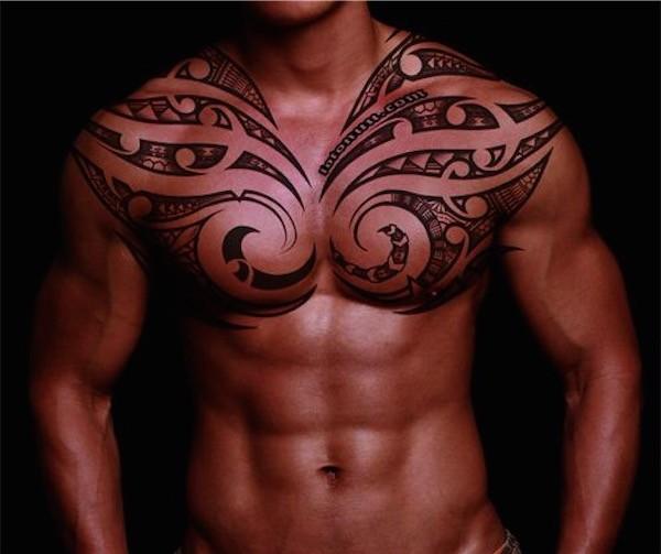 tatouage homme pectoraux bras