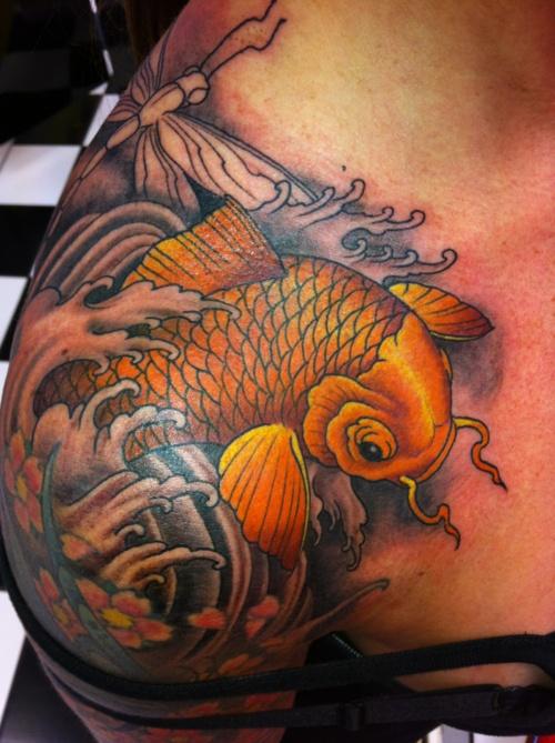 tatouage japonais poisson