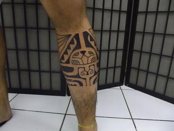 Tatouage mollet bracelet tribal mod les et exemples - Tatouage mollet tribal ...