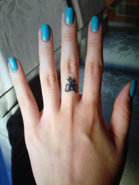 Tatouage noeud sur le doigt mod les et exemples - Tatouage doigt femme ...