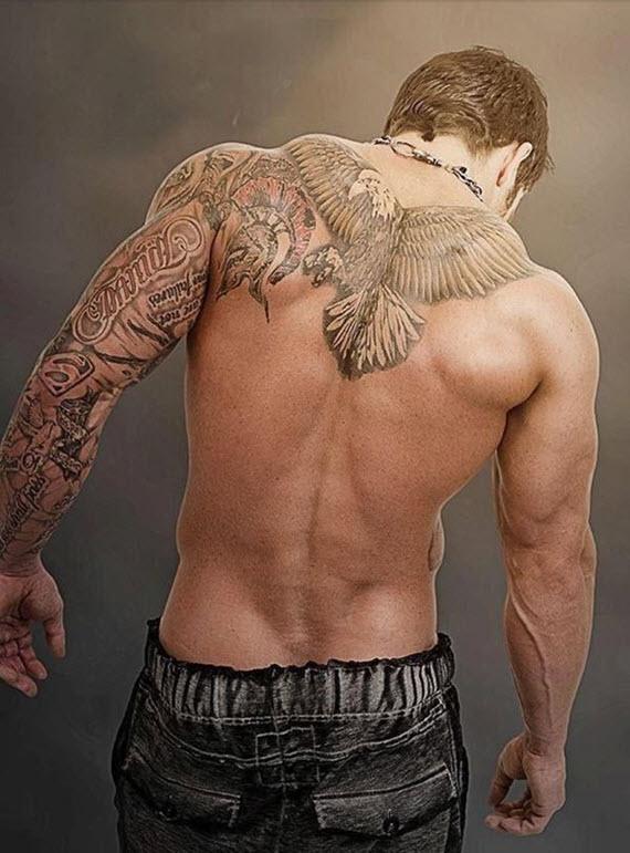 tatouage oiseau pour homme