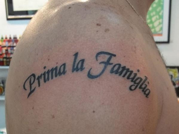 tatouage phrase amour famille