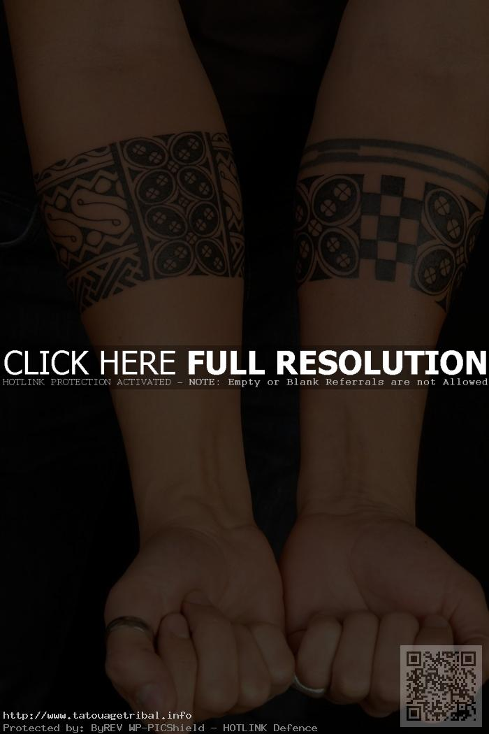 tatouage polynésien bracelet avant bras