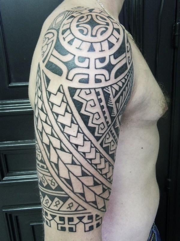 Tatouage Epaule Homme Horloge Tattoo Art