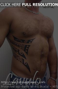 tatouage ventre tribal homme