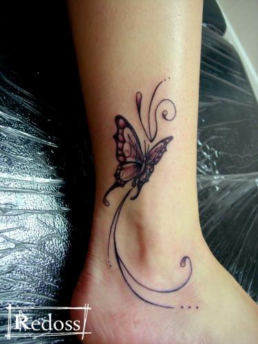 tatouages chevilles papillons
